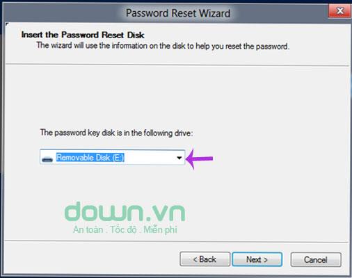 Chọn tên USB dùng để reset mật khẩu